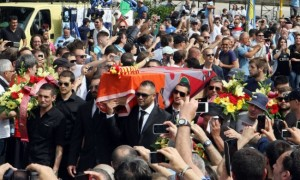 Funerali-A.s.-Roma-2013-650x390